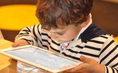 Mein Kind sollte nicht so viel Zeit vor dem Tablet verbringen.